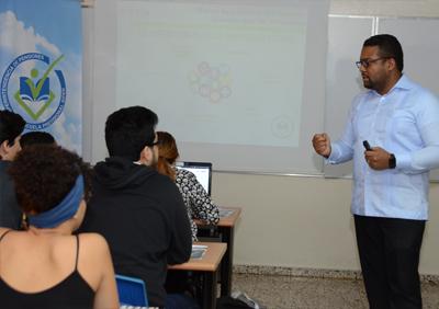 SIPEN imparte charla a estudiantes INTEC
