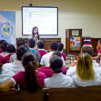 Escuela Previsional SIPEN ofrece charla en Colegio Evangélico Central.